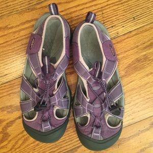 Keen Sandal, Purple